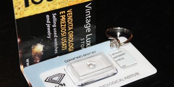 Anello con diamante – Venduto