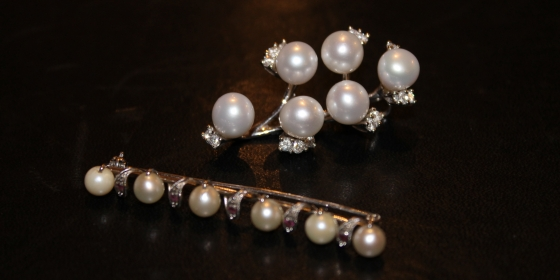 Spilla con perle e brillanti