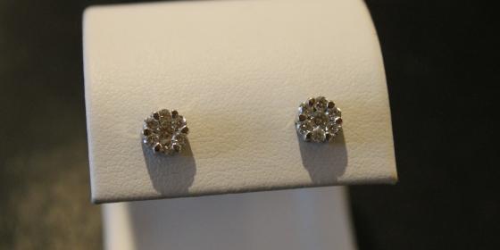 Orecchini oro bianco e diamanti – VENDUTI