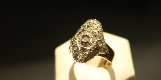 Anello oro giallo e bianco con diamanti [venduto]