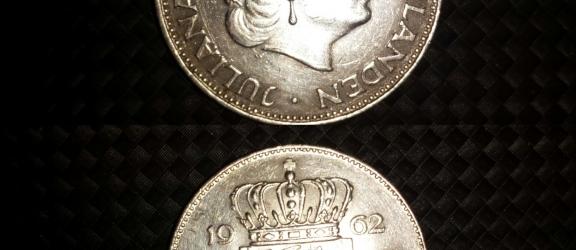Moneta olandese in argento 2 1/2 G del 1962