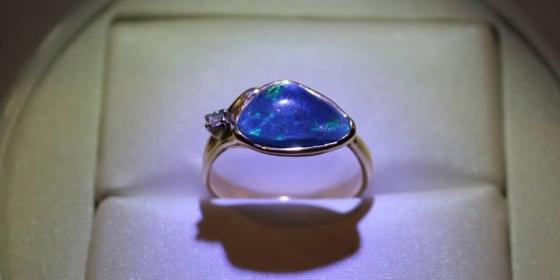 Anello con Opale